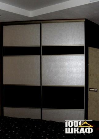 Полувстроенный шкаф-купе