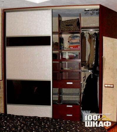 Вариант внутреннего наполнение шкафа
