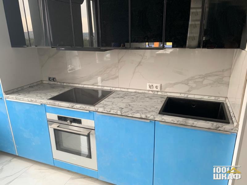 Кухонный гарнитур: сине-черная гамма