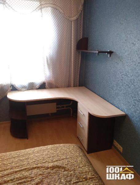 Угловой письменный стол на заказ