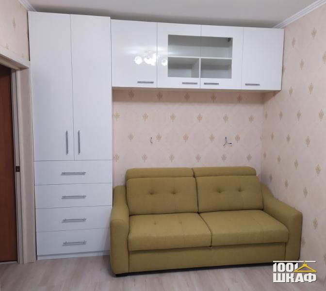 Комплект мебели белого цвета