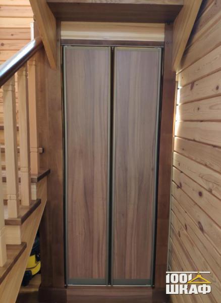 Встроенные шкафы-купе для загородного дома