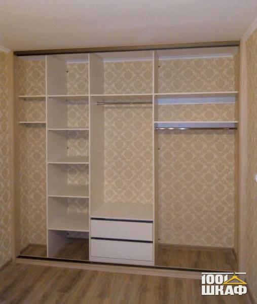 Вместительный шкаф-купе на заказ