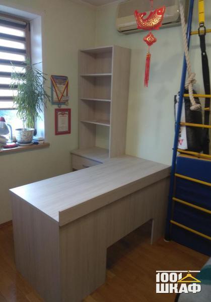 Комплект светлой мебели в комнату
