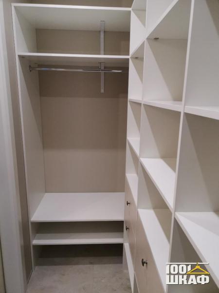 гардеробная для хранения одежды и обуви