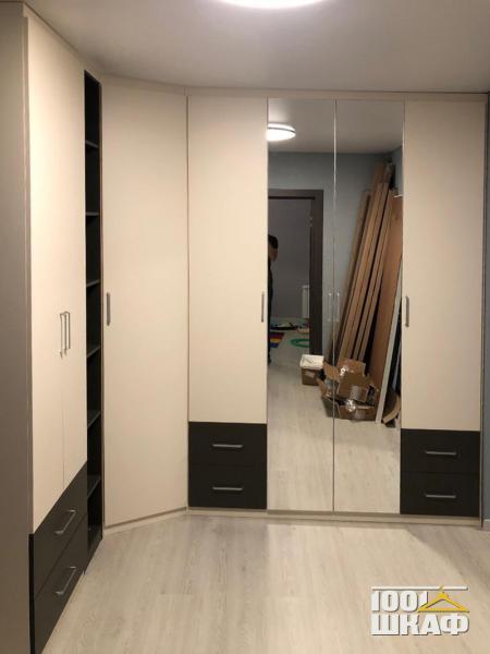 Угловой шкаф в комнату от производителя