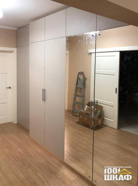 шкаф с антресолью для верхней одежды