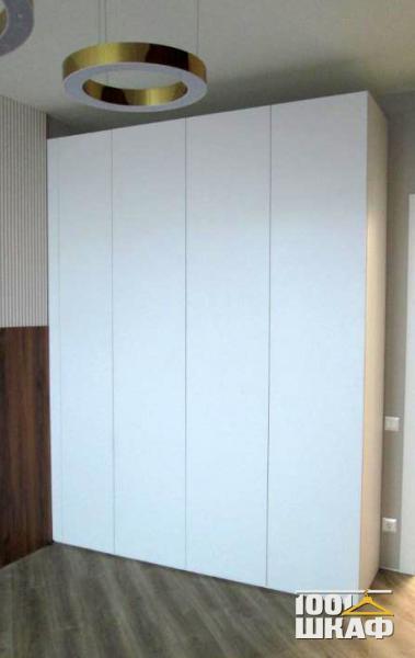 белый шкаф в комнату на заказ