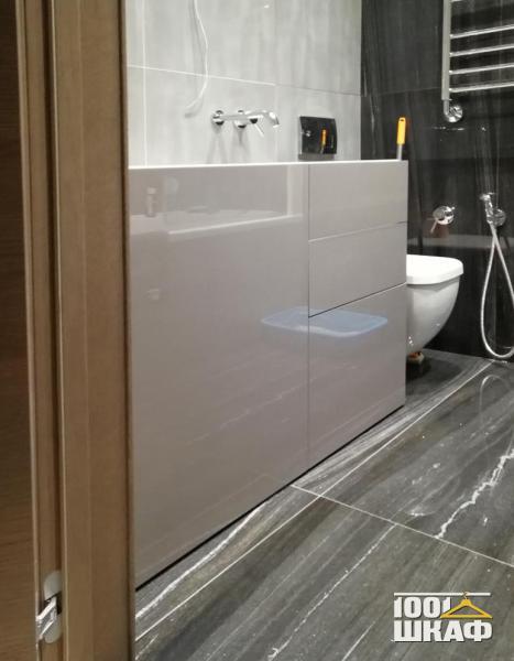 Белая тумба под раковину в ванную комнату
