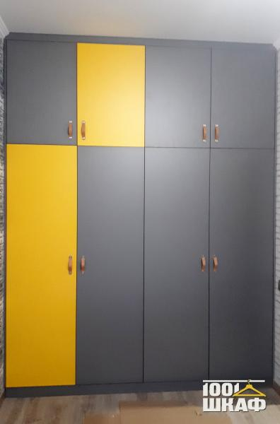яркий шкаф на заказ
