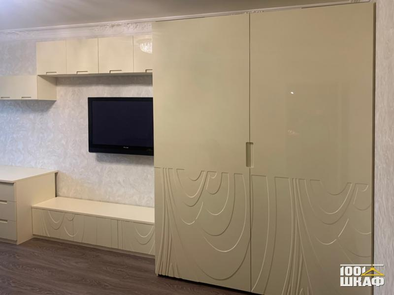 шкаф, тумба под ТВ и рабочее место