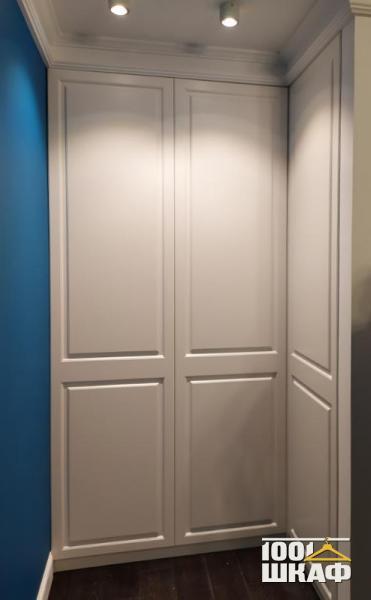 Встроенный угловой шкаф на заказ