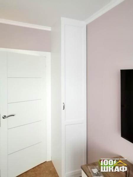 шкаф-колонка в гостиную