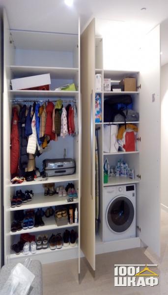 Корпусный шкаф установленный в нише