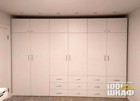 шкаф с распашными и выдвижными фасадами