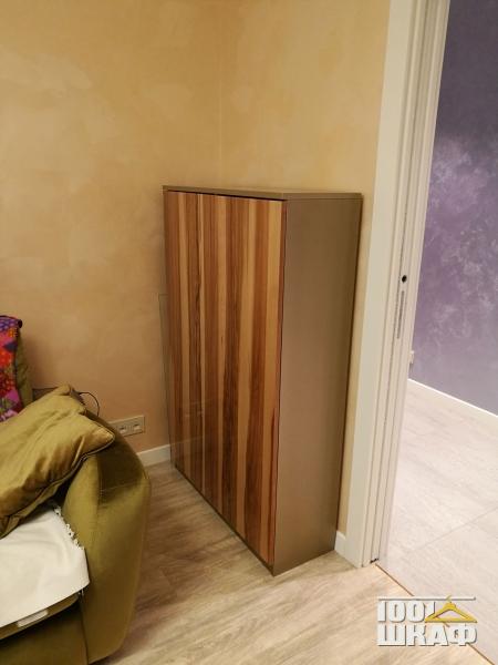 шкаф с отделкой шпоном