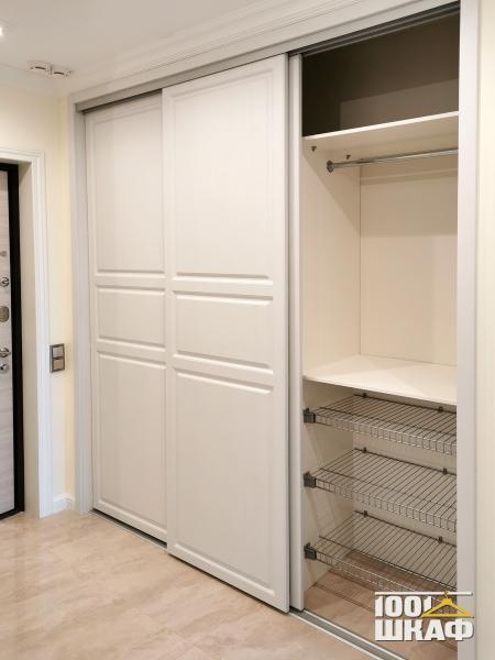 шкаф-купе для верхней одежды